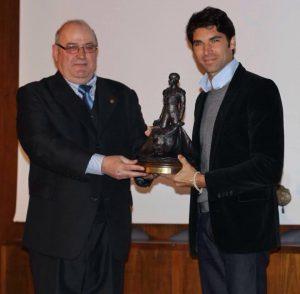 cayetano-rivera-premio-cayetano-ordonez-nino-de-la-palma-a-la-mejor-faena-de-la-goyesca-2015